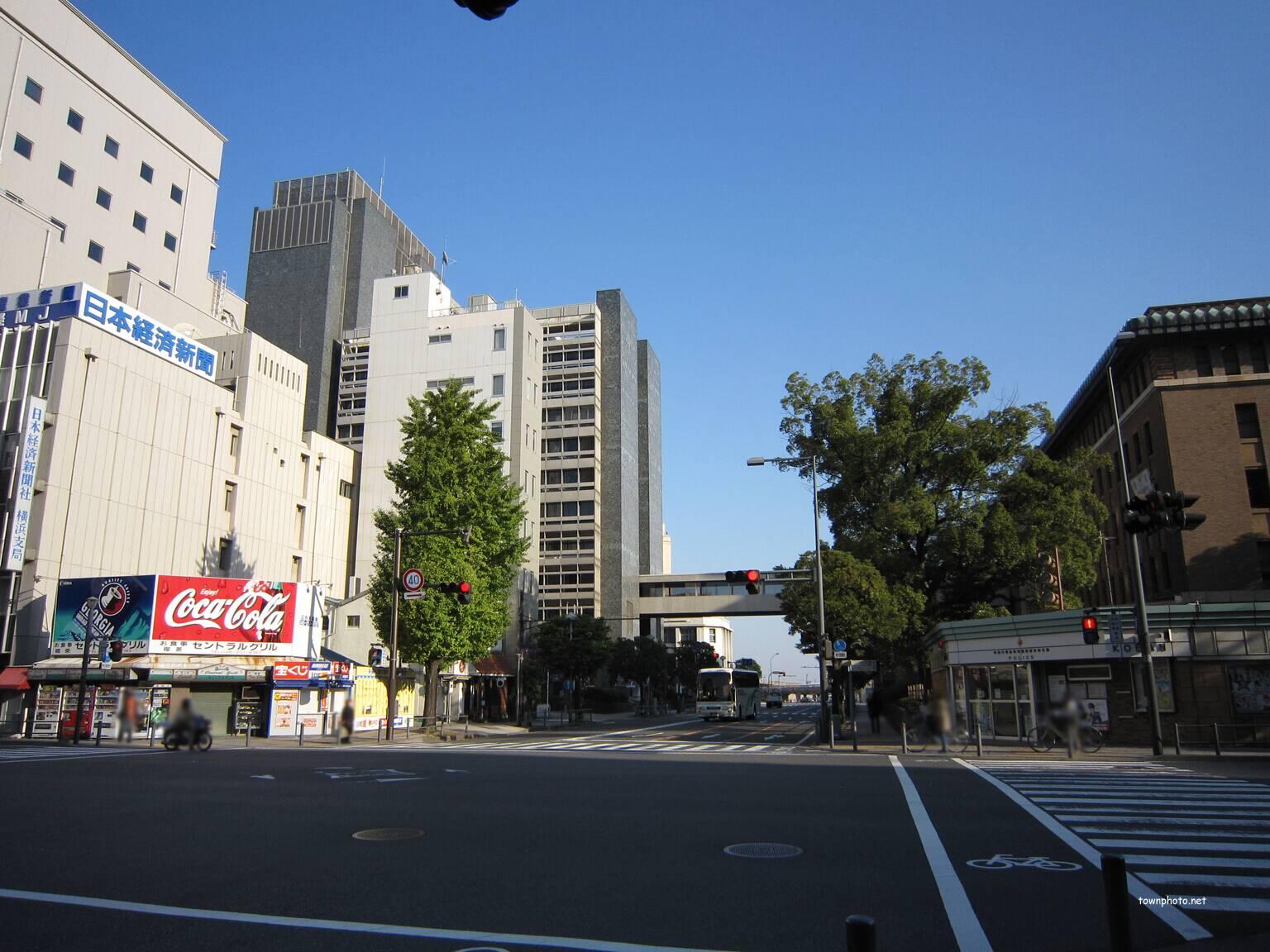横浜公園~県庁前交差点の写真