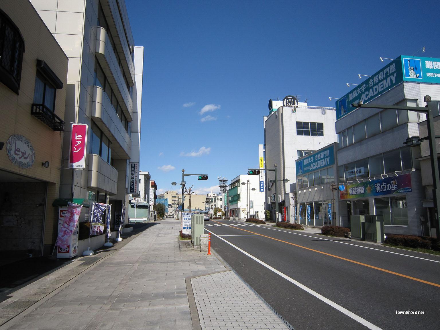 【画像】日本の景観、世界一だった!無電柱化、東京8%大阪6%ロンドン100%パリ100%台北95%ソウル46%  [517459952]YouTube動画>2本 ->画像>45枚
