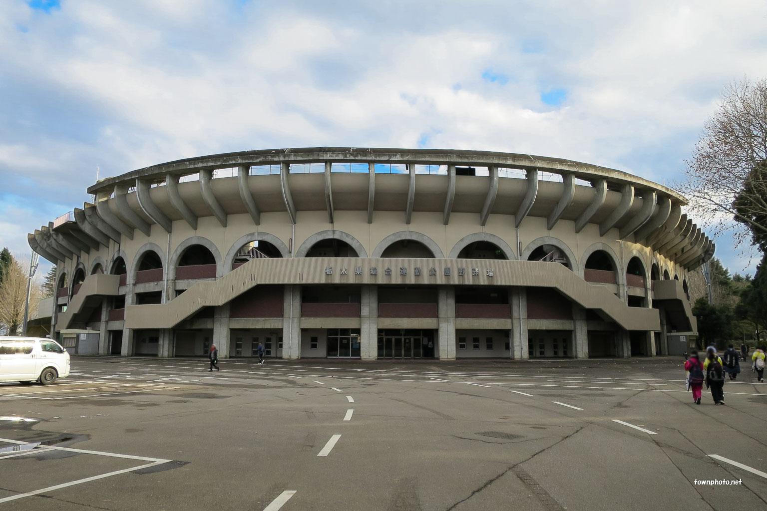 西川田駅と栃木県総合運動公園 ...